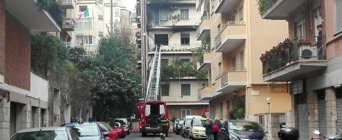 Roma, fiamme a Ponte Milvio: incendio al terzo piano di uno stabile