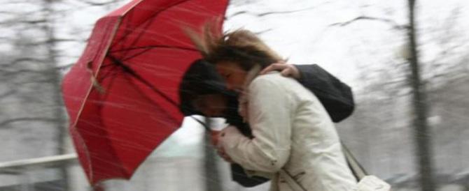Previsioni del tempo: weekend con pioggia, forte vento e neve sulle Alpi