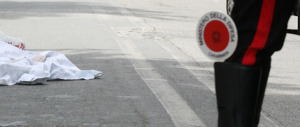 Auto si schianta contro un albero, morti tre giovani nel Barese: avevano il volume altissimo