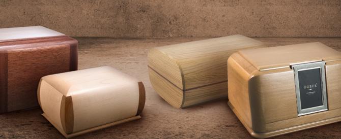 Rom svaligiano casa: beccate mentre rubano anche le urne con le ceneri