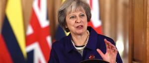 May rassicura Merkel e Juncker: «Rispetteremo i tempi della Brexit»