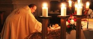 """Roma, i grillini """"tagliano"""" la messa di Natale. Fratelli d'Italia: è ridicolo"""