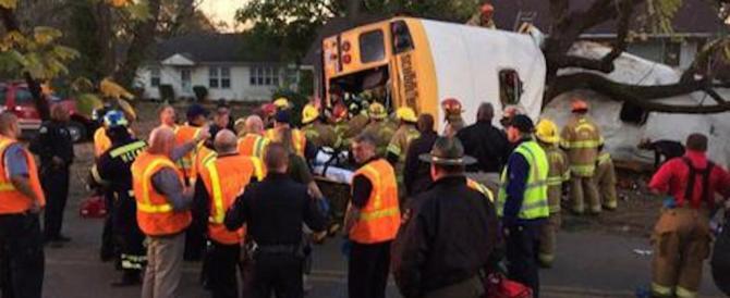 Usa, schianto di uno scuolabus: sei i bambini morti. Arrestato l'autista