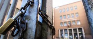 Roma, Fratelli d'Italia alla Raggi: «L'ispezione delle scuole va a rilento»