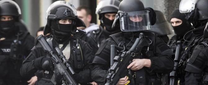 «Burattini guidati dalla Siria»: ecco chi sono i 5 jihadisti fermati in Francia