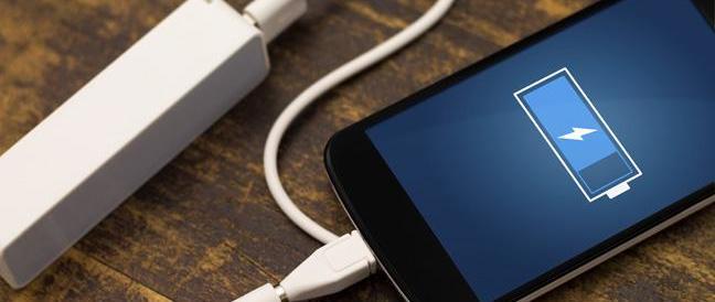 Dura 7 giorni e si ricarica in 30 secondi: è la nuova batteria per smartphone