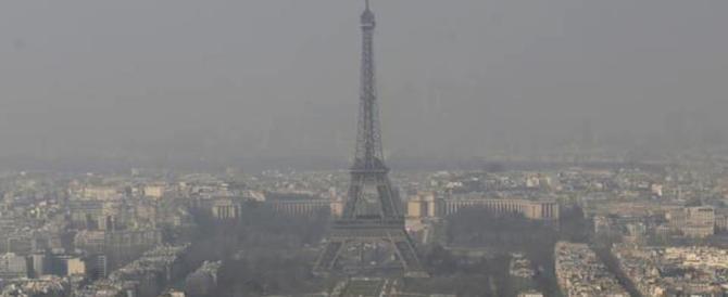 Smog killer: l'inquinamento in Europa fa mezzo milione di vittime l'anno (video)