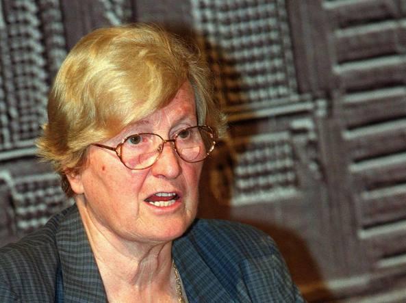È morta Tina Anselmi. Fu la prima donna ministro della storia d'Italia