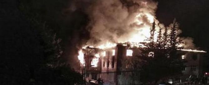 Turchia, incendio in un dormitorio femminile: 12 morti e oltre 20 feriti
