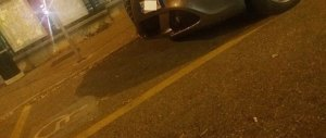 L'auto del vice dell'Appendino in un posto risevato ai disabili: è bufera