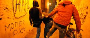 Abusi sessuali di gruppo e sevizie su un minore: condannati due giovani