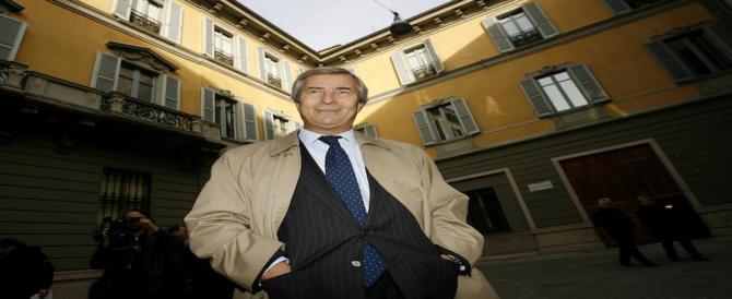 Il M5S si schiera con Vivendi: «Il governo non tuteli Mediaset, non è strategica»