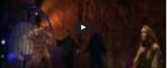 "In scena ""Notre Dame de Paris"", che illumina le feste natalizie (video)"
