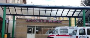 Benevento, cinquantenne lasciato per tre giorni in barella muore in ospedale
