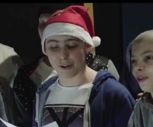 """Il """"Buon Natale"""" dei giovani pazienti milanesi in stile """"Braccialetti rossi"""" (video)"""