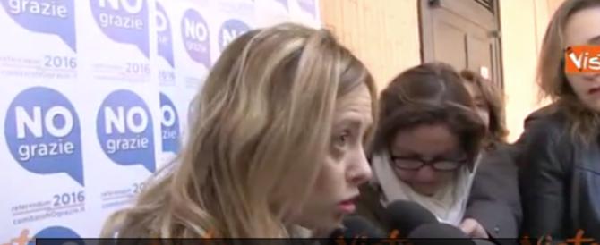 Meloni su Napolitano: «Si è dimesso il papa, può farlo anche lui…» (video)