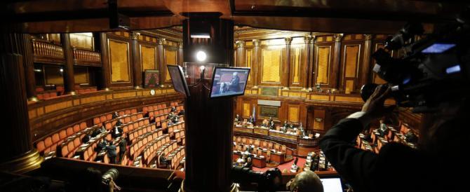 Renzi incassa la fiducia sulla manovra. Va al Quirinale e si dimette