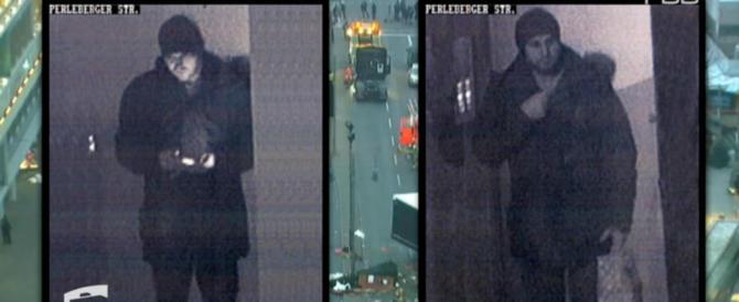 Amri filmato dopo l'attentato. Era di fronte alla moschea Fussilet 33