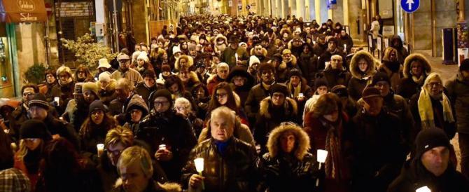 Berlino, duemila luci nella notte: così Sulmona ha ricordato Fabrizia