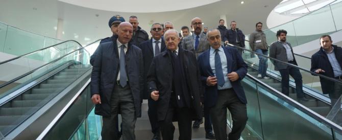 Caso De Luca, Gasparri: «Va subito sospeso dalla carica di governatore»