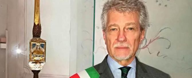 Mps, il sindaco di Arezzo Ghinelli: «Due pesi e due misure, vergogna»