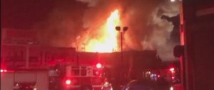 Incendio a un rave party in California: decine di giovani bruciati vivi (video)
