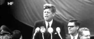 """Meloni: """"E' guerra, chi lo nega è complice"""". E FI evoca Kennedy: """"Ich Binn Ein Berliner"""""""