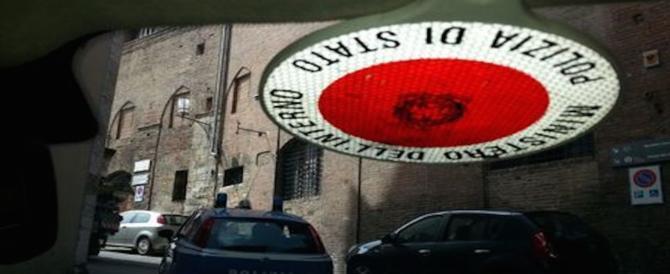 """In Inghilterra col """"kit del clandestino"""": 21 fermi a Genova tra italiani e albanesi"""