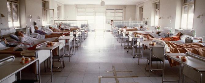 Saronno, morti sospette in ospedale: il medico si difende. L'infermiera tace