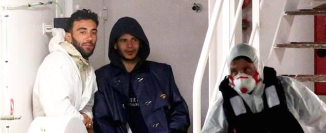 """Naufragio con 700 morti nel mare di Sicilia: 18 anni al """"capitano"""" tunisino"""