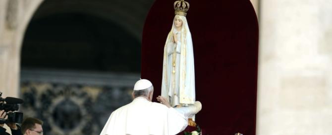 Il Papa andrà a Fatima nel 2017. E rispunta la teoria del Quarto segreto