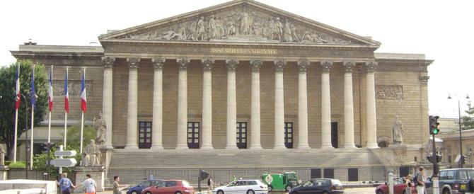 I socialisti francesi vogliono vietare la propaganda contro l'aborto sul web