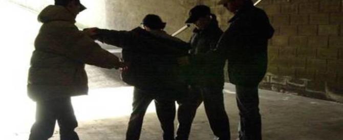 Firenze ostaggio delle baby gang: chirurgo e moglie incinta aggrediti senza pietà