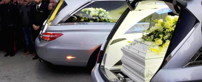 Bambine uccise dalla mamma, il procuratore: sono state soffocate