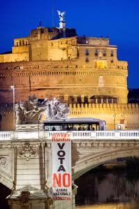 Il blitz di Azione Nazionale e de La Destra a Roma per il referendum