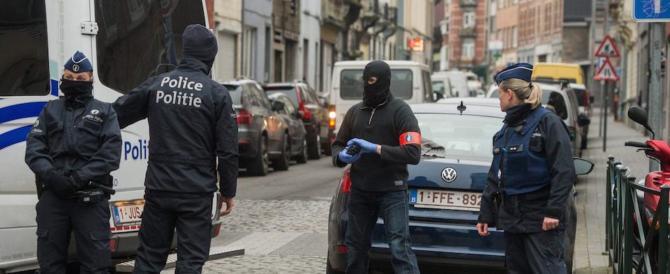 Terrorismo, parla delle colpe della «sinistra ideologizzata». Finisce nei guai