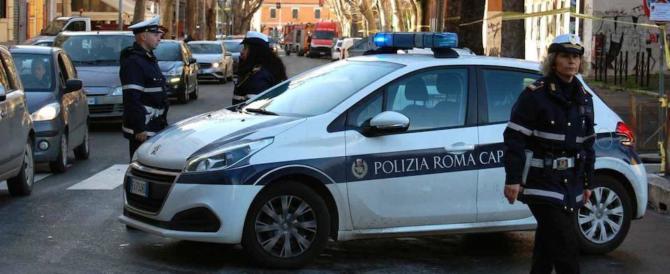 Roma, ora rischiano i vigili. Politi: «In vista un nuovo disastro targato Raggi»
