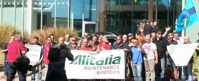"""Alitalia, l'altolà di Rampelli: """"No al commissario, intervenga il governo"""""""