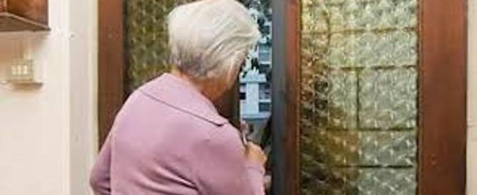 Roma, anziana raggirata: un falso avvocato le ruba perfino la fede