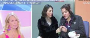 """""""Violenza per troppo amore"""". Barbara D'Urso si difende: """"Fraintesa"""" (video)"""