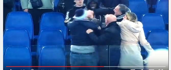 Lazio, rissa tra Biglia e un tifoso: ecco il pugno incriminato (VIDEO)