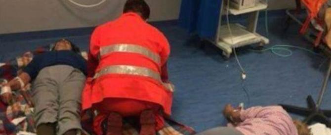 Pazienti sdraiati per terra: i medici non hanno colpe, le Regioni invece sì