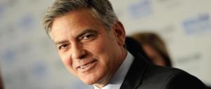 Clooney ferito in un incidente in Sardegna: tanta paura e un ginocchio contuso