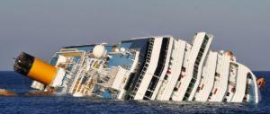"""Cinque anni fa il naufragio Concordia. E De Falco disse a Schettino: """"Torni a bordo…"""" (VIDEO)"""