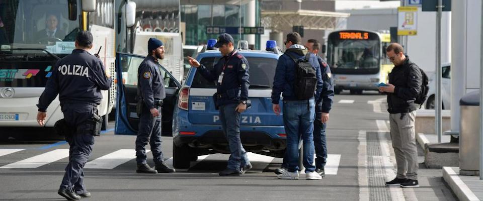 Rubano una borsa all'aeroporto di Fiumicino: arrestati due messicani