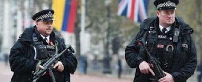 «L'Isis pronto a usare armi chimiche in Europa»: allarme del governo inglese