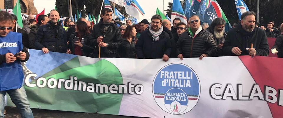 I militanti di Fratelli d'Italia dalla Calabria a Roma per manifestare