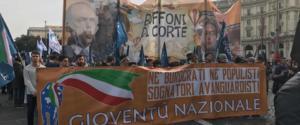 I giovani di Fratelli d'Italia in piazza contro burocrati