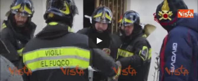 Norcia, con cautela si rientra nelle case per recuperare i beni (video)