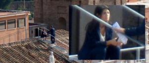 Tensione a Cinquestelle: Grillo difende la Raggi, ma i big restano in silenzio